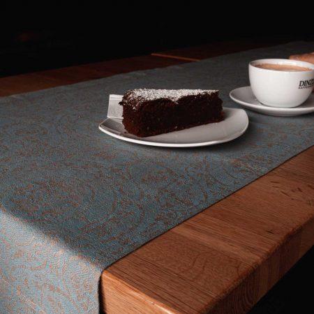 Tischläufer von verum textilia - aus Halbleinen mit 5cm Kurvertsaum