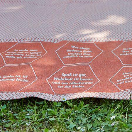 Strandtuch | Eingewebte Zitate | verum textilia